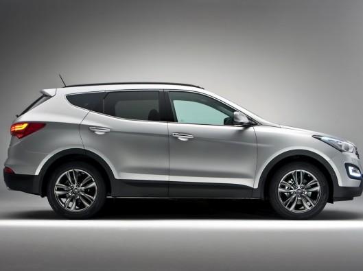 2013-Hyundai-Santa-Fe-75