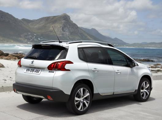 2014-Peugeot-2008-Rear-Side noleggio a lungo termine