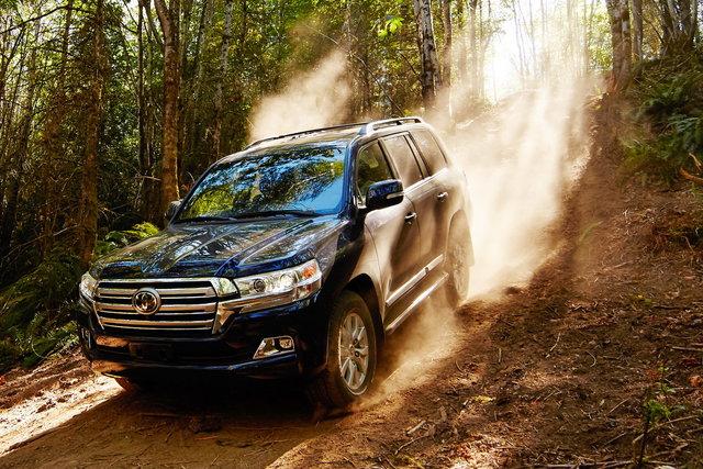 Toyota Land Cruiser V8 a noleggio a lungo termine