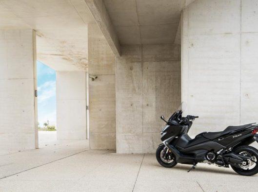 2017-Yamaha-T-MAX-noleggio lungo termine