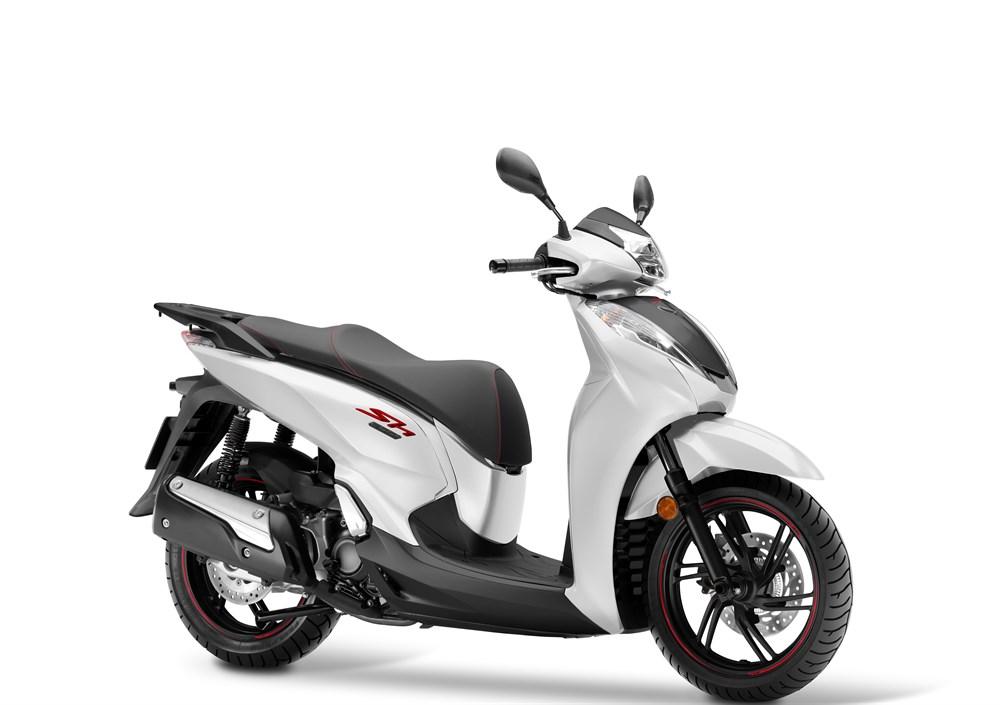 sh300i-scooter-2017-noleggio lungo termine