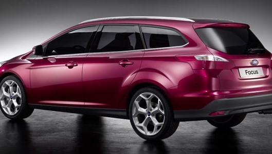 ford-focus-wagon-02