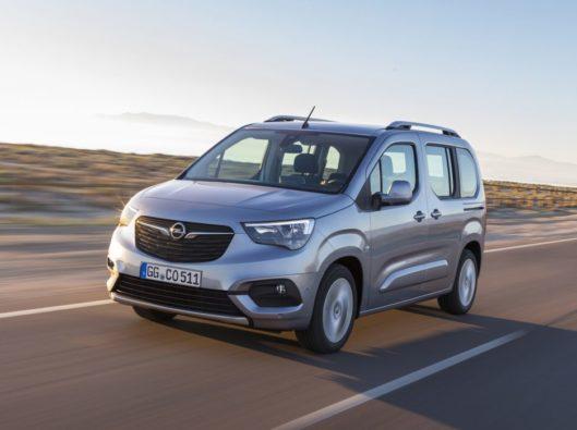 Opel-Combo-2018 a noleggio lungo termine